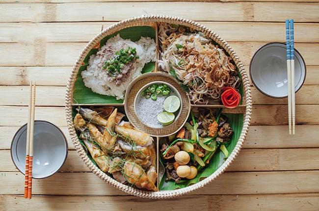 5 món ăn đặc trưng của miền Trung đi sâu vào tâm trí người Việt và ghi trọn điểm trong mắt bạn bè quốc tế