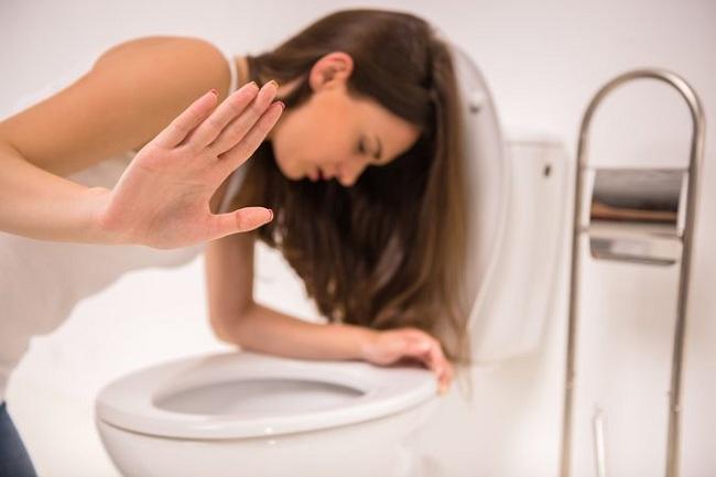 Thường xuyên cảm thấy buồn nôn có phải là dấu hiệu của bệnh lý?